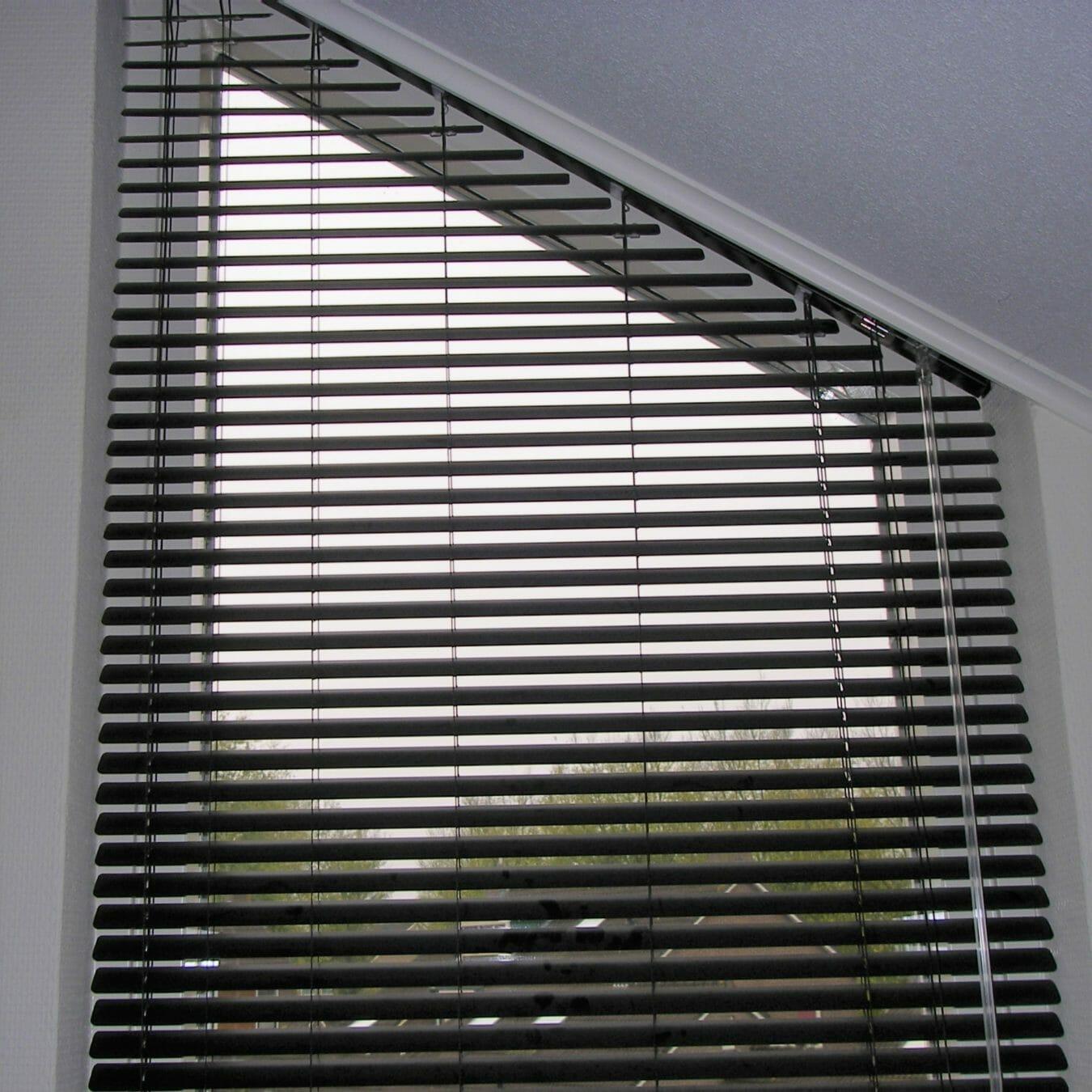Aluminium jaloezieën bijzondere raamvorm trapezium