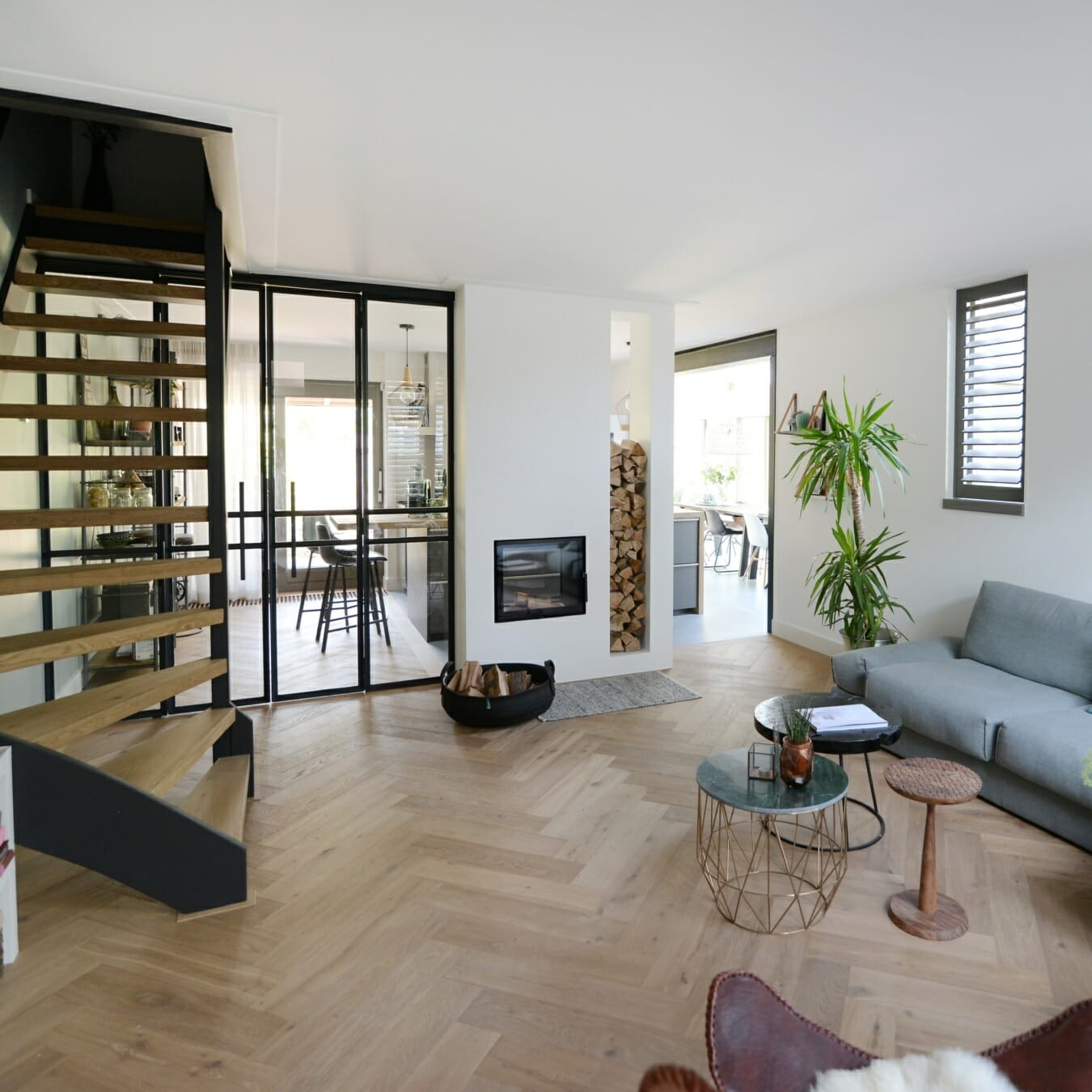 Piet boon shutters klein raam woonkamer