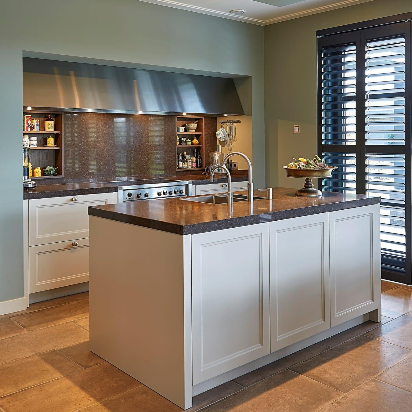 Zonnelux shutters in keuken