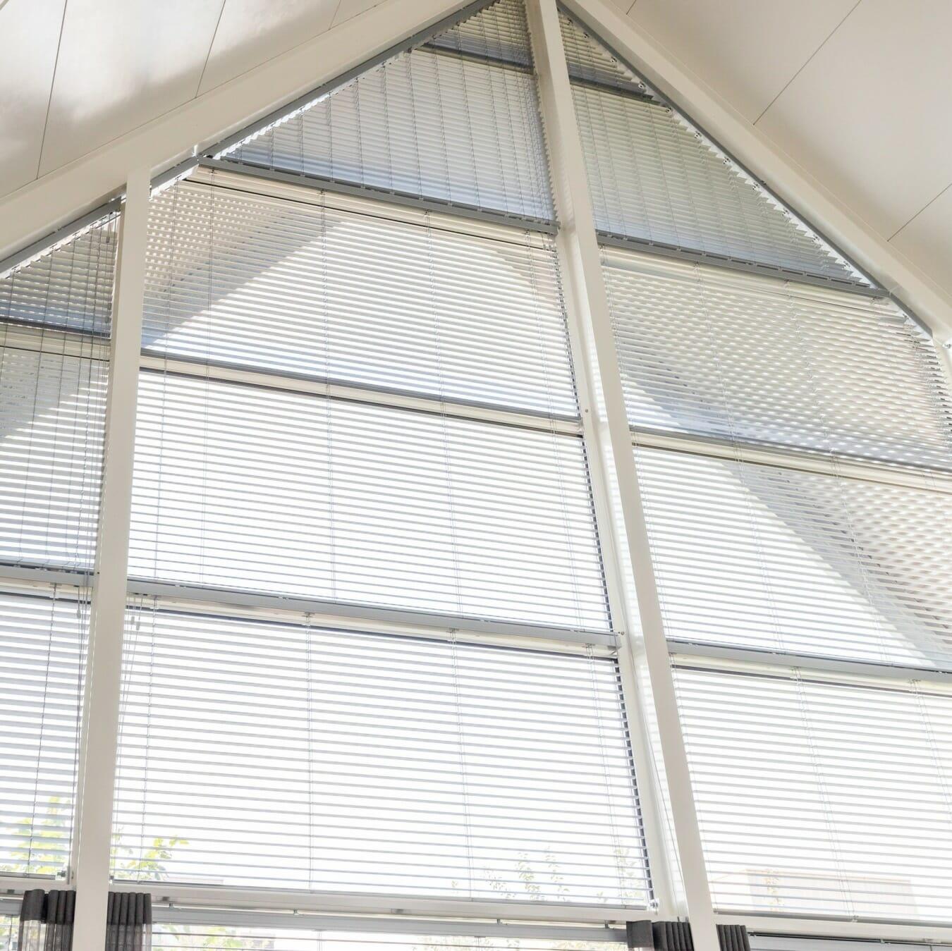 Aluminium jaloezieën trapezium raam