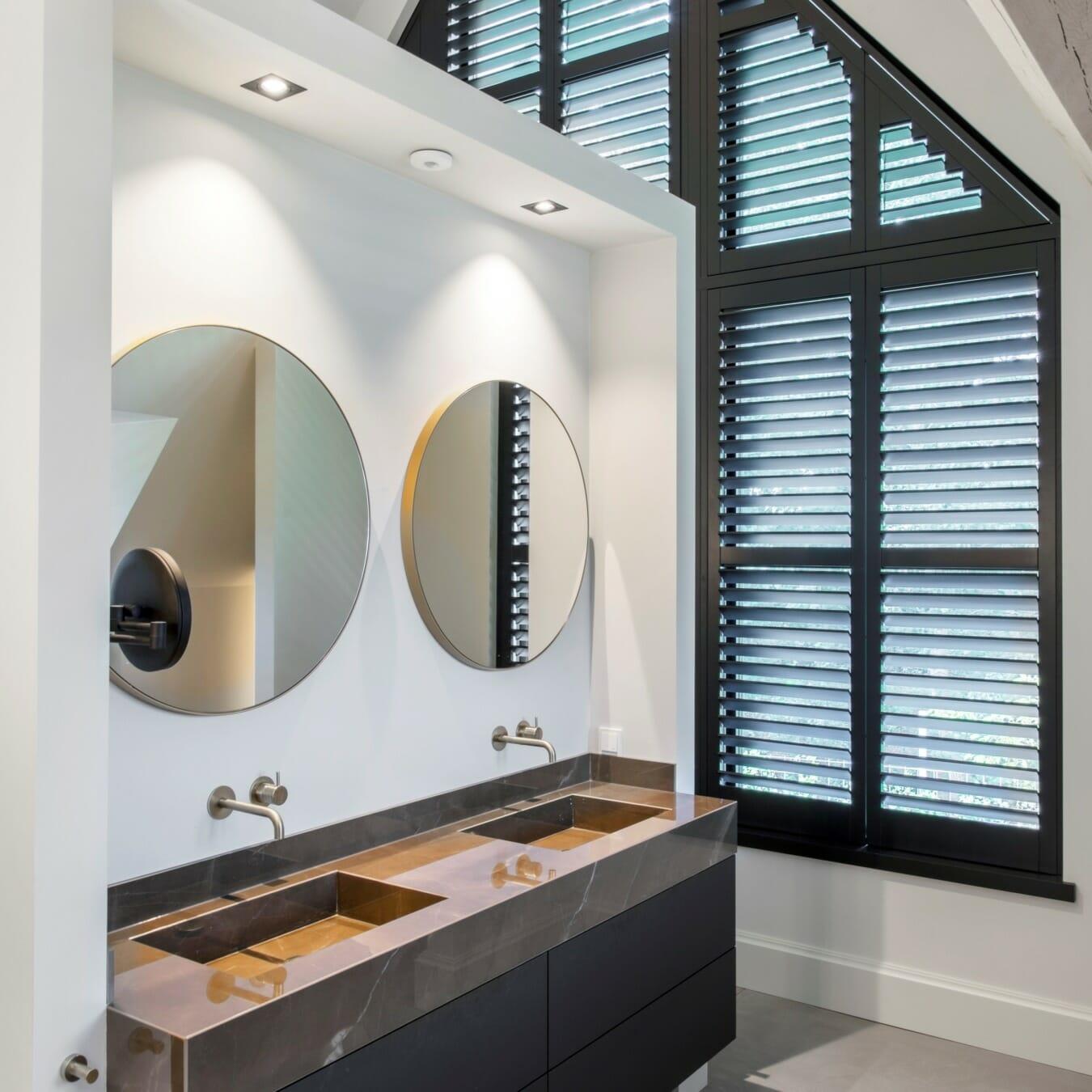 Piet Boon shutters by Zonnelux trapezium raam