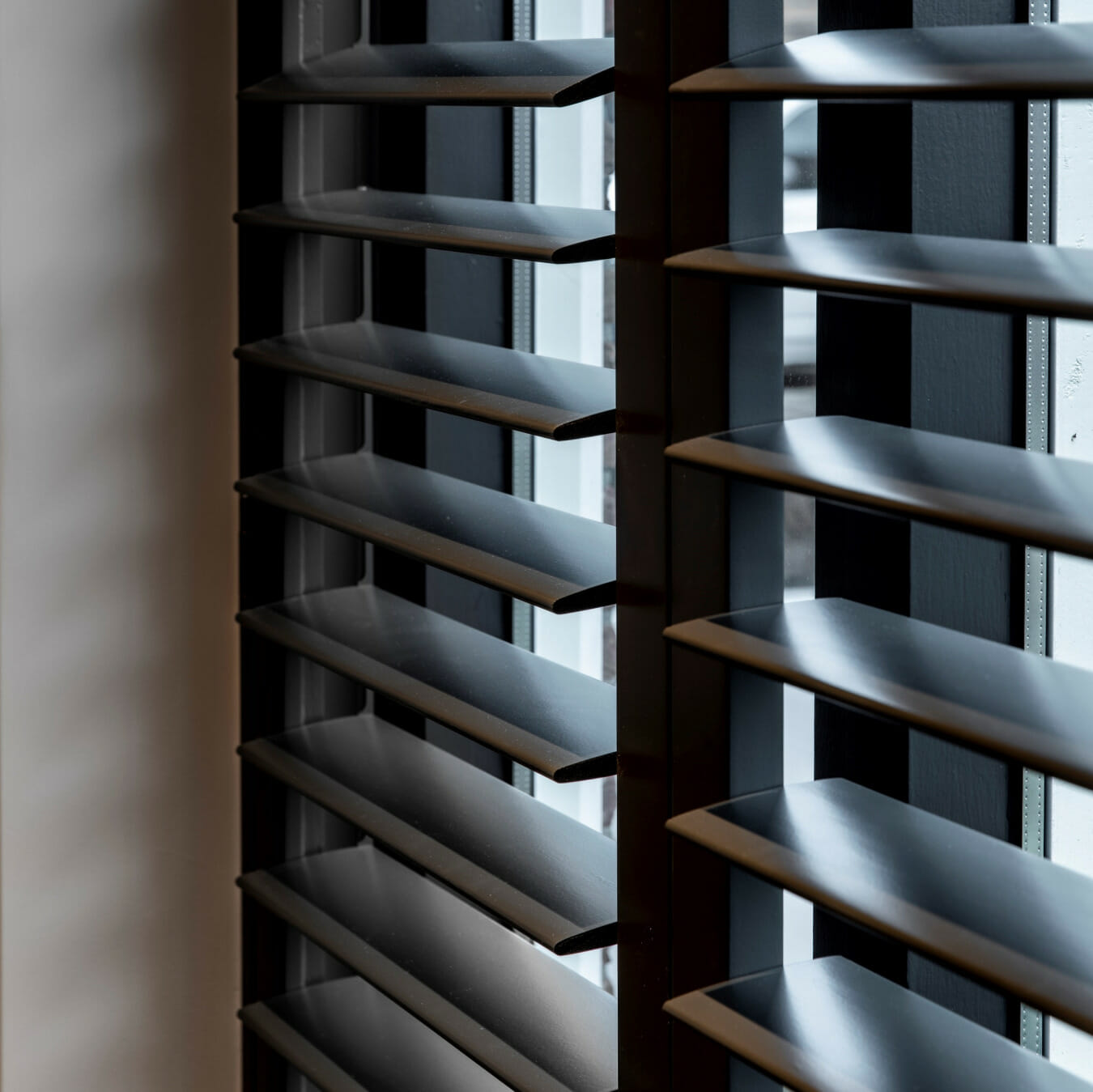 Zonnelux shutters getoogde bovenregel